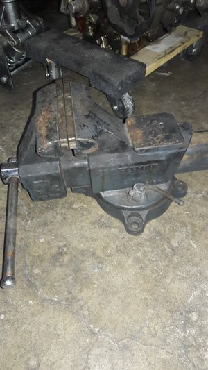 Craftsman 5 1/2 vice for Sale in Norwalk, CA