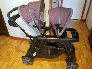 Graco double stroller for Sale in Loxahatchee, FL