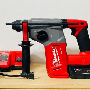 """Brand New SDS rotary Hammer 1"""" Whit 2 Batteries And Charger for Sale in San Antonio, TX"""