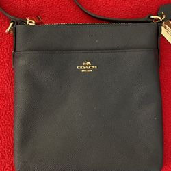 Coach purse for Sale in Cary,  NC