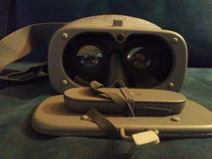 Virtual Reality Headset for Sale in San Diego, CA