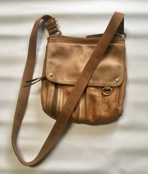 FOSSIL Vintage Tote/ Messenger Bag Cow Hide Leather for Sale in Chesapeake, VA
