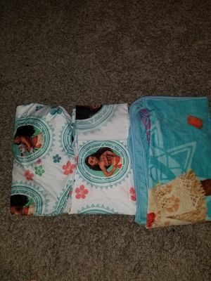 Moana Twin 2 sheets 1 pillow case and 1 soft blanket for Sale in Grand Prairie, TX