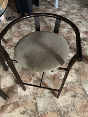 Glass kitchen table with 4 chairs for Sale in Lewis Center, OH