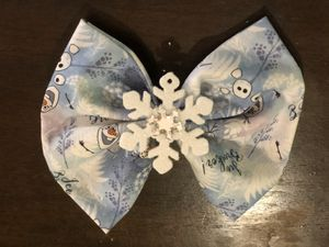 Olaf from frozen fabric bow for Sale in Anaheim, CA