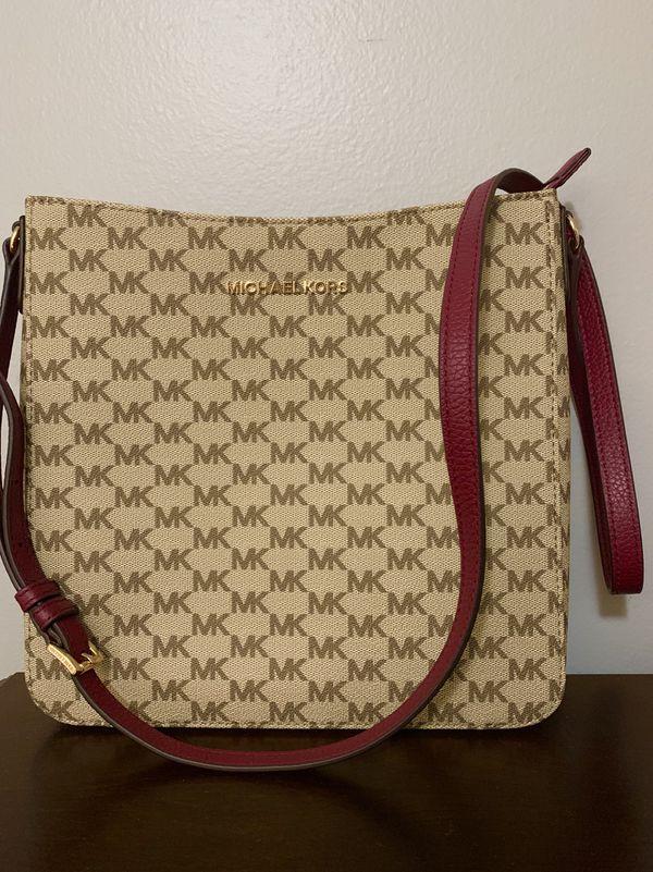NWT Michael Kors Jet Set Travel LG Messenger Bag