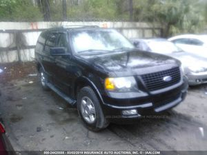2006 Ford Expedition Auto Parts Engine transmission interior wheels body parts for Sale in Apopka, FL