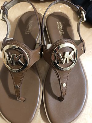 Michael kors sandals (7.5 ) for Sale in West Palm Beach, FL