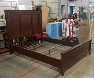 Gorgeous Queen Sized Bed Frame - Delivery Available for Sale in Tacoma, WA