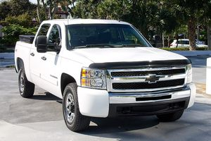 2011 CHEVY SILVERADO 4X4 CREW CAB LS PICK UP TRUCK. LOW MILES. for Sale in Boca Raton, FL