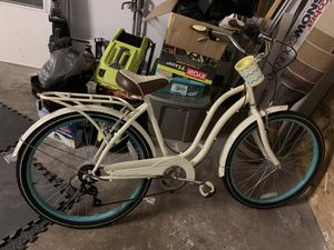 Schwinn Fairhaven 7 speed women's cruiser bike for Sale in Melrose Park, IL