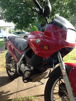 2001 BMW 600cc motorcycle runs great no damage or scratches for Sale in Burlington, NC
