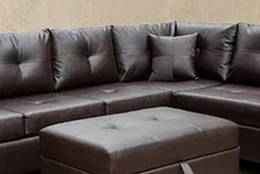 RAF Sectional With Pillows for Sale in Austin,  TX