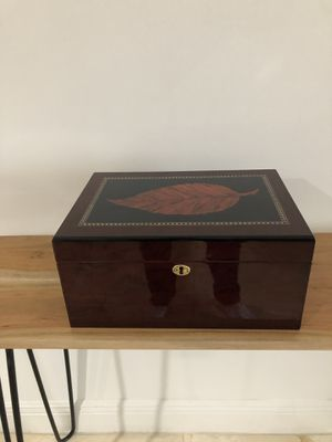 Cigars humidifier and two beautiful cigars frames for Sale in Miami, FL