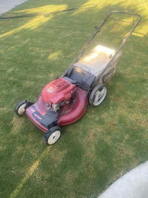 6.5horse power toro lawn mower for Sale in Fresno, CA