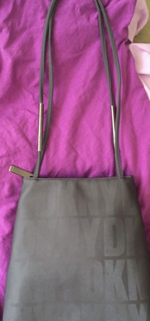 """NEW """"DKNY"""" PURSE.... for Sale in Sandy, UT"""