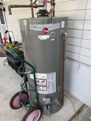 Water heater 75 gal for Sale in Woodbridge Township, NJ