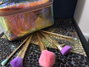 Tarte cosmetics Unicorn makeup brushes and Makeup Bag for Sale in Austin, TX