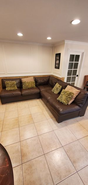 Crate and Barrel Leather Sectional Couch Sofa for Sale in Mission Viejo, CA
