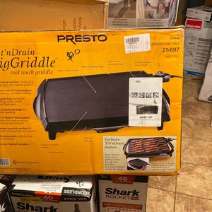 Presto Tilt And Drain Big Griddle for Sale in Alexandria, LA