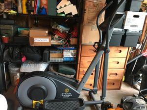 Gold's Gym Stride Trainer 300 Elliptical for Sale in Parkland, WA