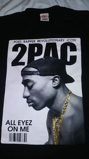 2pac shirt . size medium for Sale in Chino, CA