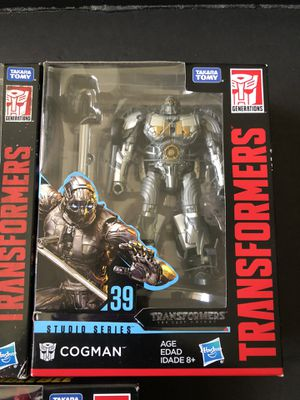 Transformers Studios Series Cogman and Shatter Deluxe Class for Sale in Enterprise, NV