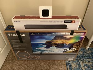 """Samsung 50"""" Q70R with Soundbar and 4K Apple TV! for Sale in Cleveland, TN"""