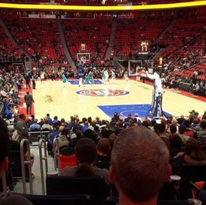 Pistons tickets vs Indiana pacers 11/8 for Sale in Harper Woods, MI