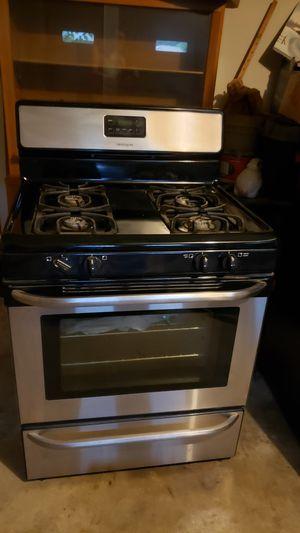 Fridgidair gas stove for Sale in Baton Rouge, LA