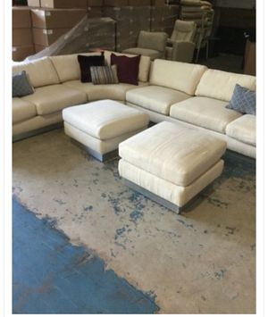 sectional couch and two ottomans for Sale in Tamarac, FL
