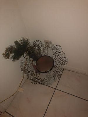 Small wall mirror for Sale in Port St. Lucie, FL