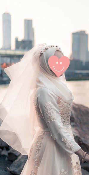 Wedding Dress Size Small-Medium $300 for Sale in Brooklyn, NY