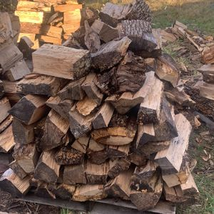 Half A Pallet Of Firewood for Sale in Woodburn, OR