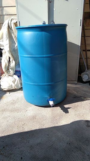 55 gallon water tank with hose spout ready to use for Sale in Anaheim, CA