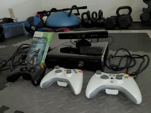 Xbox 360, Kinect, 3 controllers, Halo 4, Fusion Frenzy for Sale in San Diego, CA