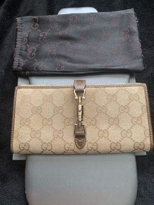 Authentic Gucci monogramed wallet with dust bag. for Sale in West Linn, OR