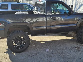 2005 Gmc Sierra 1500 Under 100k 6 In Rough Country Lift 35in Mottomeatel Wheels And Tires On 20s for Sale in Woonsocket,  RI