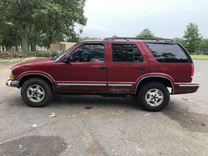 98 Chevrolet Blazer 4x4 V6 loaded tins good 180k for Sale in Brooklyn, NY