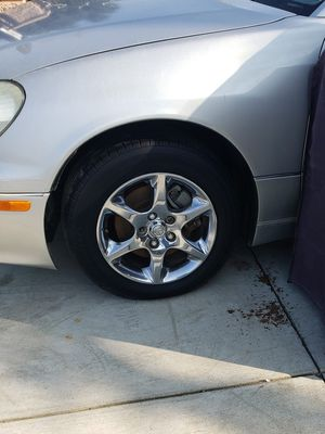 LEXUS FENDERS LEFT AND RIGHT GS300 GS430 GS400 1998-2005 for Sale in Ontario, CA