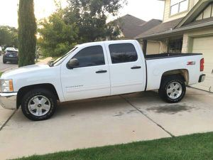 Chevy Silverado 2012 4x4 z71 for Sale in Denver, CO
