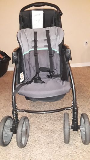 Graco double stroller for Sale in McKeesport, PA