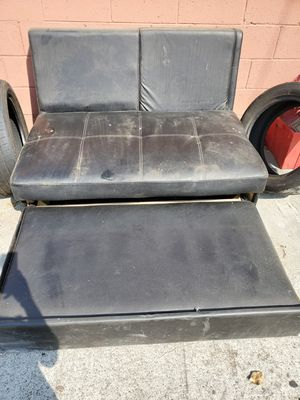 Free sofa bed for Sale in Paramount, CA