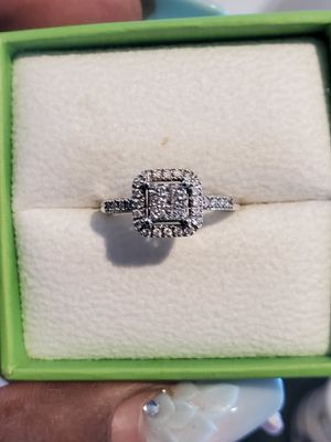 Engagement ring 100% real diamonds for Sale in Fort Lauderdale, FL