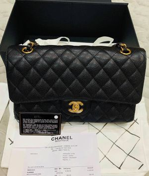 Chanel caviar flap bag. for Sale in Los Angeles, CA