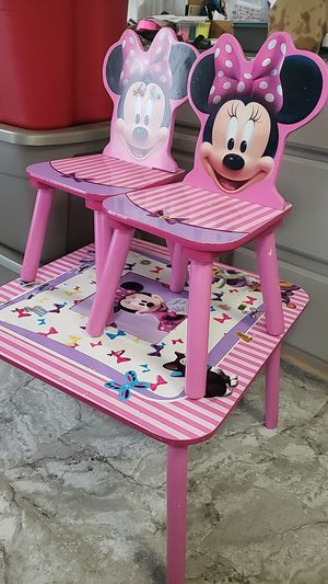 Minnie mouse table for Sale in Puyallup, WA