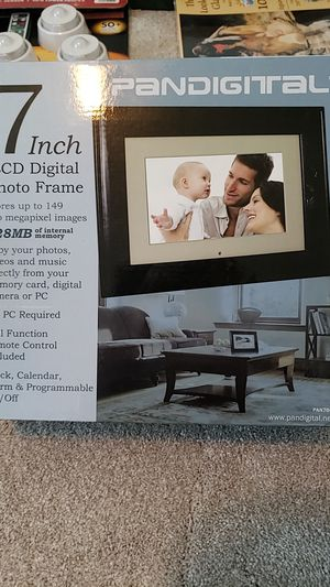 LCD digital photo frame for Sale in Wenatchee, WA