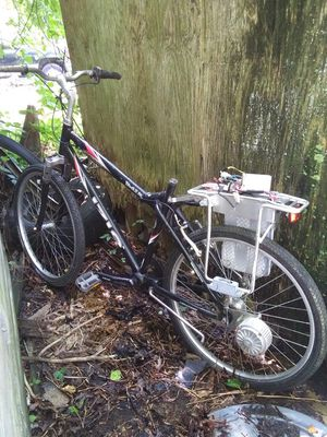 IZIO Electric Pedal Bicycle for Sale in Egg Harbor Township, NJ