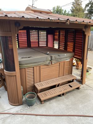 Hot tub for Sale in Manteca, CA