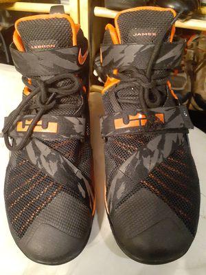 Nike Lebron James Soldier IX 749490-016 Black Crimson Men Size 10 for Sale in Denver, CO